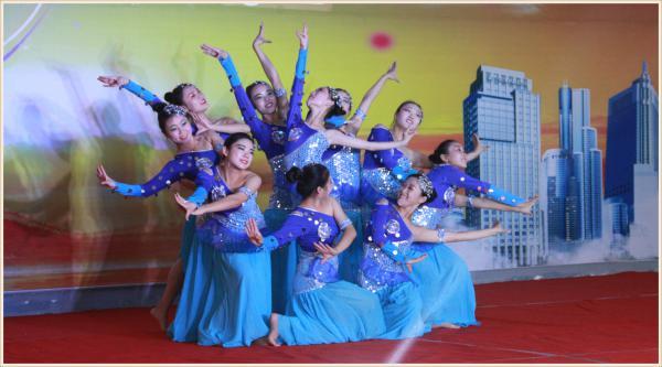 傣族舞蹈:年年有余-06.JPG
